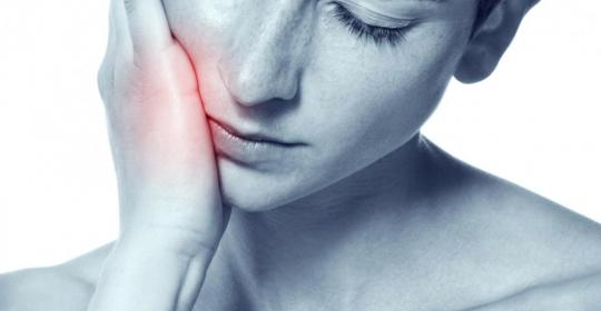 面痛找不出原因,可能是頸椎病引起?