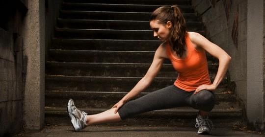 後腿及膝後拉緊及刺痛,是坐骨神經痛嗎?