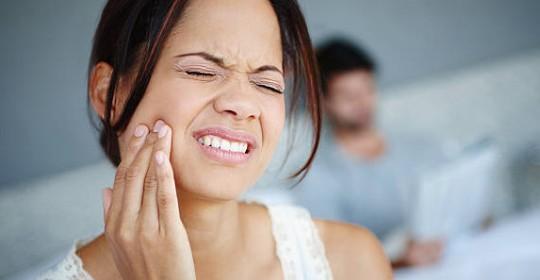 牙骹痛及面痛,可能是患上顳下顎骨關節綜合症 (TMJ Syndrome)