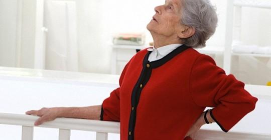 如何處理長者嚴重脊椎退化腰腿痛
