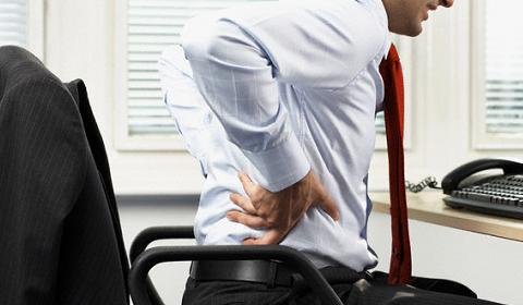 脊椎管道狹窄增加軟骨突出徵狀